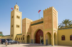 Porta ao mausoléu de Moulay Ali Cherif em Rissani - Marrocos Fotos de Stock Royalty Free
