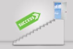 Porta ao sucesso com escadas e sentido Foto de Stock
