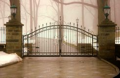 Porta assombrada Fotos de Stock Royalty Free