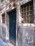 A porta azul Imagem de Stock Royalty Free