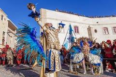Porta Bandeira och Mestren Sala i den brasilianska stilkarnevalet Arkivfoton