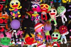 porta-chaves colorida feito a mão da boneca-forma da tela que pendura no rac Fotografia de Stock