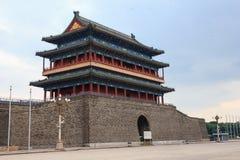 A porta chinesa oriental em Tian 'homens esquadra no Pequim fotografia de stock