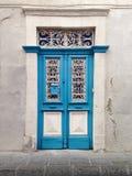 Porta cipriota tradizionale del villaggio fotografie stock libere da diritti