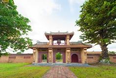 Porta com a torre de vigia na citadela, cidade imperial da matiz fotografia de stock royalty free