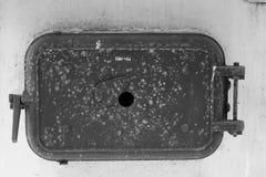 Porta da caldeira do ferro fundido do vintage Imagens de Stock Royalty Free
