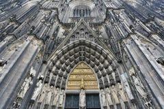 Porta da catedral da água de Colônia, Alemanha Fotografia de Stock Royalty Free