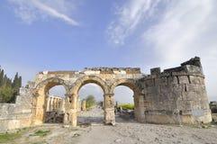 Porta da cidade de Hierapolis, Denizli, Turquia Imagem de Stock