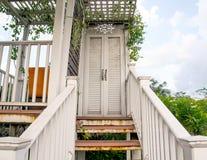 Porta da escadaria Fotografia de Stock Royalty Free