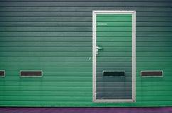 Porta da garagem como o fundo Fotos de Stock Royalty Free