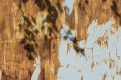 Porta da garagem ou folha oxidada do ferro Imagens de Stock