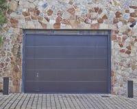 Porta da garagem, subúrbios de Atenas, Greec Foto de Stock Royalty Free