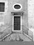 A porta da igreja Imagens de Stock