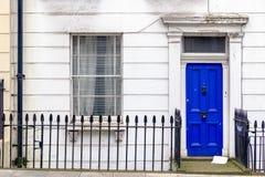 Porta da rua de uma casa Georgian imagem de stock
