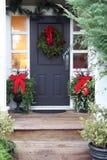 Porta da rua do Natal imagens de stock