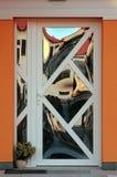 Porta da rua futura da casa fotografia de stock royalty free