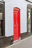 Porta da rua vermelha Fotografia de Stock Royalty Free