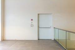 Porta da saída de emergência Foto de Stock