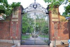Porta da Universidade de Harvard Imagens de Stock