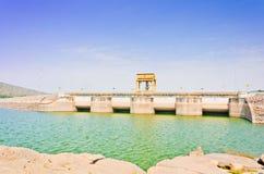 Porta de água na represa de Ubolrat, Tailândia Foto de Stock