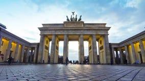 Porta de Brandemburgo em Berlim, Alemanha (lapso de tempo) video estoque