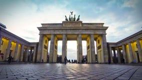 Porta de Brandemburgo em Berlim, Alemanha (lapso de tempo) vídeos de arquivo