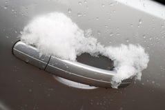 Porta de carro nevado imagens de stock