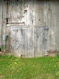 Porta de celeiro rústica do 19o século foto de stock royalty free