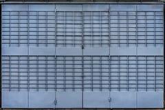 Porta de dobramento azul do metal Imagem de Stock