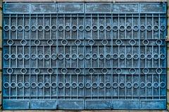 Porta de dobramento pintada azul do metal Fotos de Stock Royalty Free