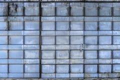 Porta de dobramento pintada azul do metal Imagens de Stock