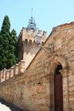 Porta de entrada para inscrever um castelo no país, Itália Foto de Stock