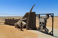 Porta de esqueleto da costa fotografia de stock