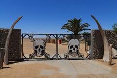 Porta de esqueleto da costa Fotos de Stock Royalty Free