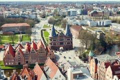 Porta de Holstentor na cidade velha de Lubeque germany Imagem de Stock Royalty Free