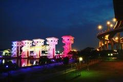 Porta de inundação colorida da noite Fotografia de Stock