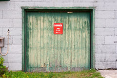 Porta de madeira à mina velha Imagem de Stock Royalty Free