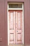 Porta de madeira cor-de-rosa velha   Fotos de Stock Royalty Free