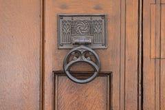 Porta de madeira da corte suprema Westminster, Parliament Square, Londres, Inglaterra, o 15 de julho de 2018 imagem de stock royalty free