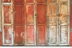 A porta de madeira do vintage Imagem de Stock Royalty Free