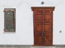Porta de madeira estranha Imagem de Stock Royalty Free