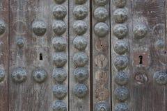 Porta de madeira fechado velha Imagens de Stock
