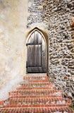 Porta de madeira medieval fotografia de stock royalty free