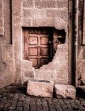 Porta de madeira obstruída fotografia de stock royalty free