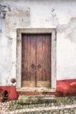 Porta de madeira Portugal imagem de stock