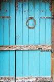 Porta de madeira rústica azul Foto de Stock