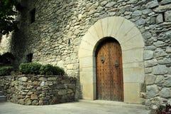Porta de madeira, rebitada pesada Fotografia de Stock Royalty Free