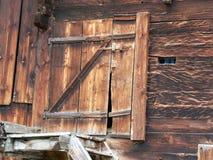 Porta de madeira resistida 2 Imagens de Stock