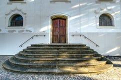 Porta de madeira velha à igreja Imagem de Stock