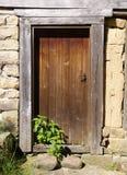 Porta de madeira velha com provocação Fotografia de Stock